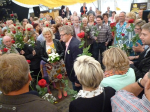 Das alte Königspaar wurde in einem Rosenmeer verabschiedet